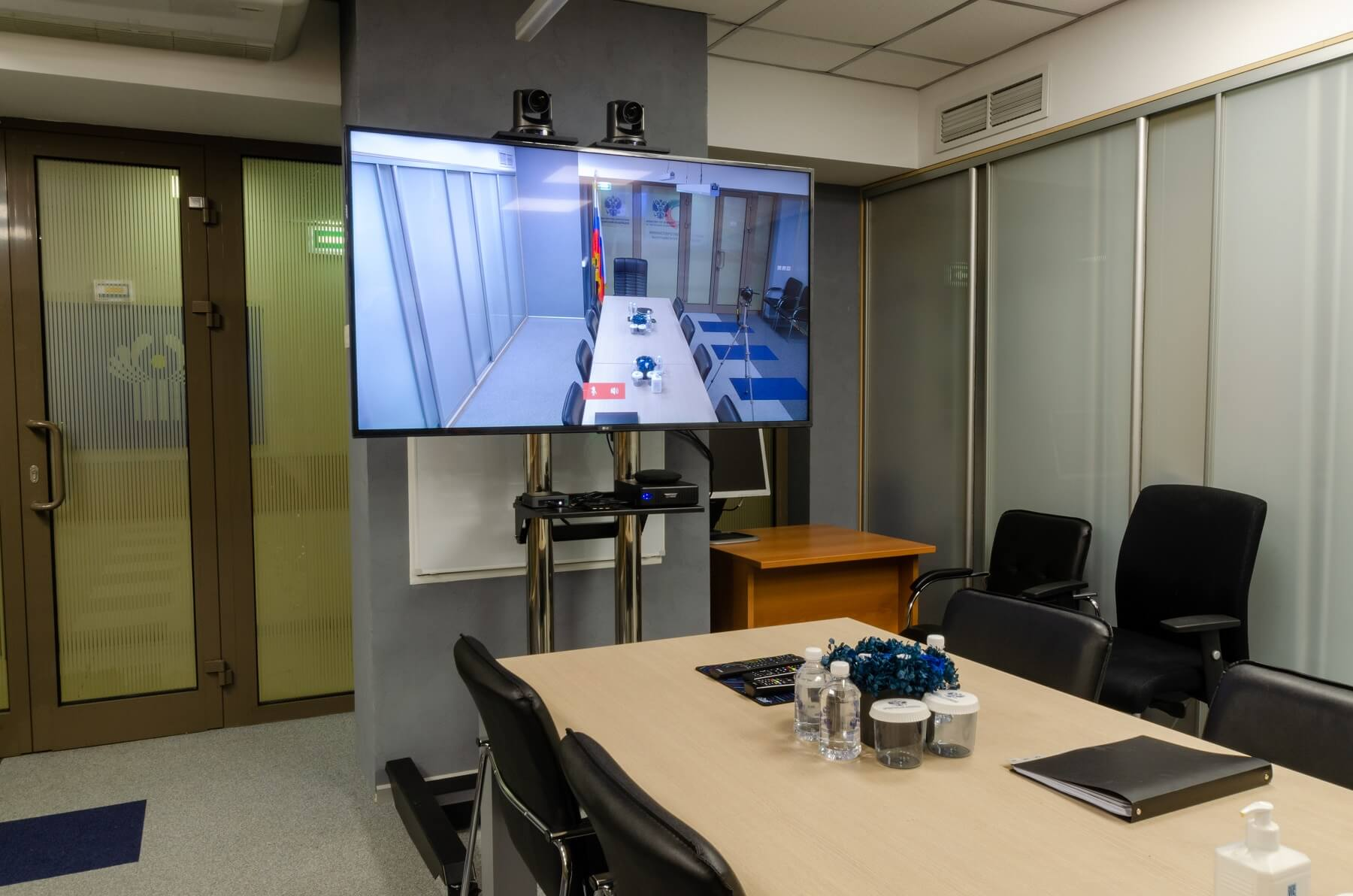 Переговорна комната