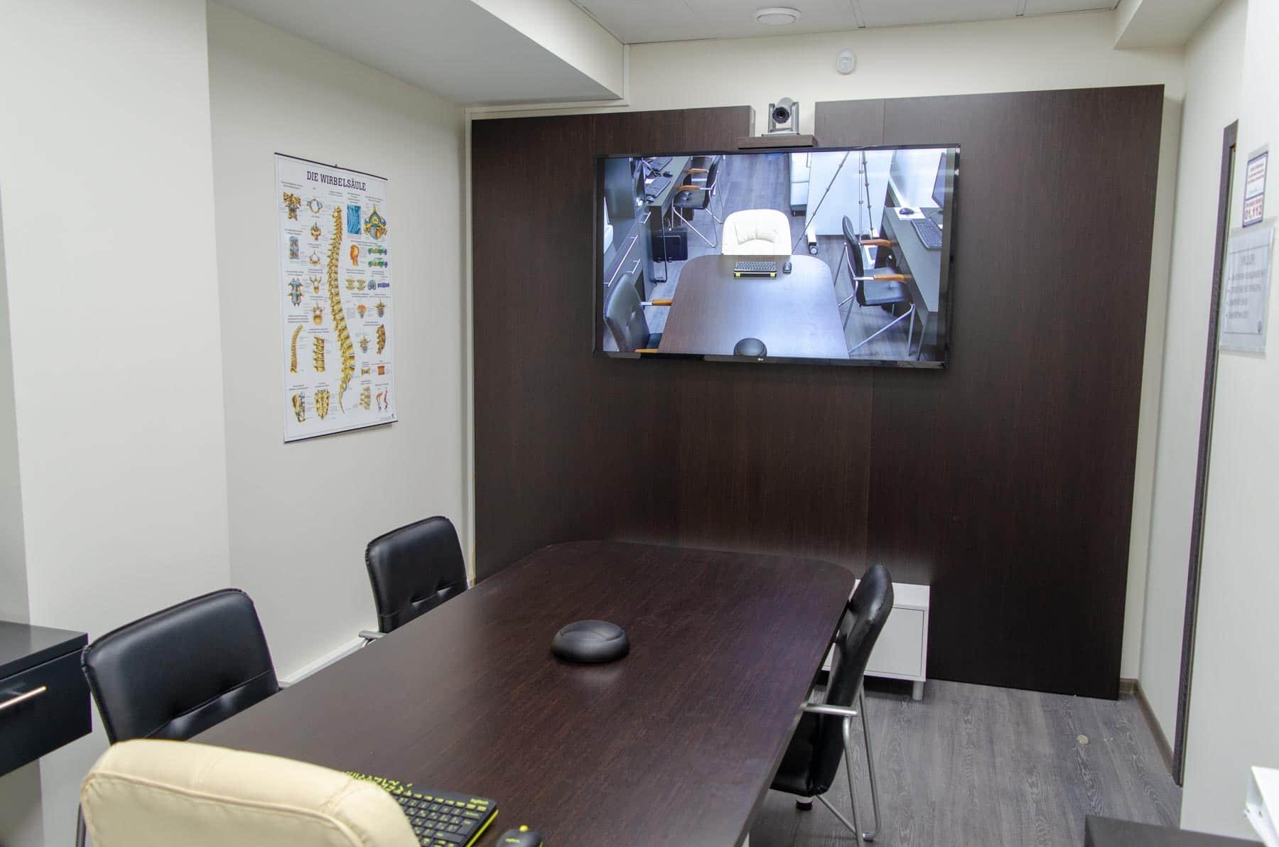 Застосування спікерфонов в переговорних кімнатах